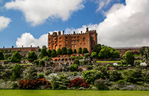 Pictures United Kingdom Castles Gardens Sky Bush Powis Castle and Gardens Cities