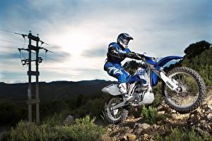 Fotos Yamaha Motocross Motorradfahrer Helm Uniform 2007-10 WR450F Motorrad