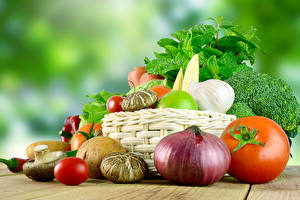Fotos Gemüse Zwiebel Tomaten Knoblauch Pilze Weidenkorb das Essen