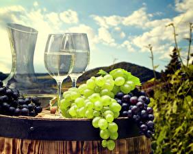 Pictures Grapes Wine Barrel Stemware Food