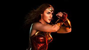 Photo Justice League 2017 Gal Gadot Wonder Woman hero Black background film Girls Celebrities