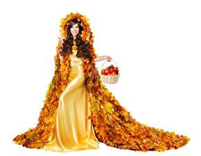 Fonds d'écran Automne Pommes Fond blanc Aux cheveux bruns Les robes Design Feuillage Panier en osier Filles