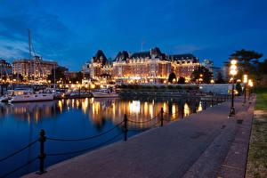Hintergrundbilder Kanada Gebäude Flusse Bootssteg Binnenschiff Abend Straßenlaterne Victoria Städte