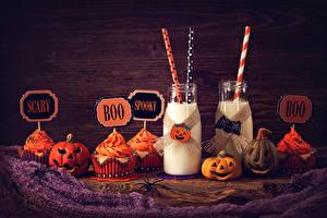 Fotos Feiertage Halloween Kürbisse Milch Törtchen Cupcake Flasche Lebensmittel