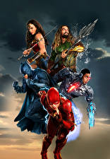 Photo Justice League 2017 Wonder Woman hero Gal Gadot The Flash hero Batman hero Jason Momoa (Aquaman), Ray Fisher (Cyborg) Movies Girls
