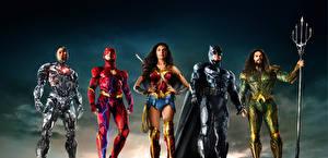 Pictures Justice League 2017 Wonder Woman hero Gal Gadot The Flash hero Batman hero Jason Momoa (Aquaman), Ray Fisher (Cyborg) Movies Celebrities Girls