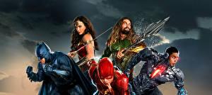 Photo Justice League 2017 Wonder Woman hero Gal Gadot The Flash hero Batman hero Jason Momoa (Aquaman), Ray Fisher (Cyborg) Movies Celebrities Girls