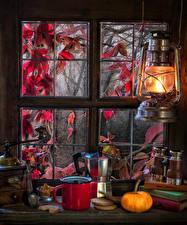Hintergrundbilder Petroleumlampe Kürbisse Tee Kekse Fenster Becher Löffel Buch Lebensmittel