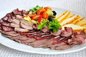 Bilder Fleischwaren Wurst Teller Geschnitten Lebensmittel