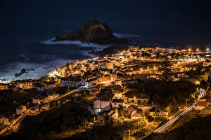 Tapety na pulpit Portugalia Domy Noc Porto Moniz Madeira Islands miasto