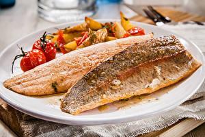 Bilder Meeresfrüchte Fische - Lebensmittel Gemüse Teller Lebensmittel