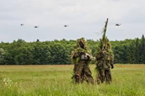 Bureaubladachtergronden Soldaten Camouflage Gras Twee 2 Bundeswehr Militair