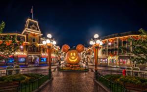 Wallpaper USA Parks Disneyland Houses Pumpkin Halloween Night HDR Design California Anaheim Street lights Cities