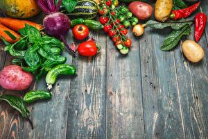 Bilder Gemüse Tomate Gurke Kartoffel Bretter Blattwerk