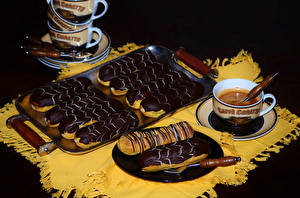 Fotos Kaffee Törtchen Schokolade Tasse Teller Lebensmittel