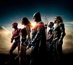 Images Justice League 2017 Wonder Woman hero Gal Gadot Ben Affleck The Flash hero Batman hero Jason Momoa (Aquaman), Ray Fisher (Cyborg) film Celebrities Girls