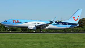 Hintergrundbilder Flugzeuge Verkehrsflugzeug Boeing Seitlich Abheben 737-8K5 Luftfahrt
