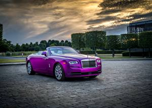 Images Rolls-Royce Convertible Luxurious Metallic Violet 2017 Dawn in Fuxia
