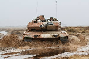 Pictures Tank Leopard 2 Mud German Front