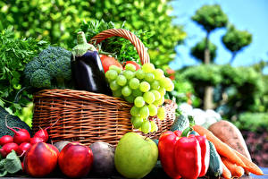 Wallpapers Vegetables Fruit Apples Bell pepper Grapes Peaches Wicker basket Food