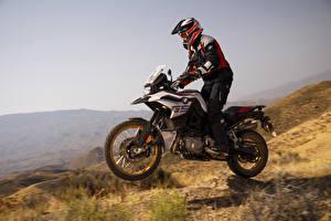 Hintergrundbilder BMW - Motorrad Motorradfahrer Helm Fahrendes 2018 F 850 GS Motorräder