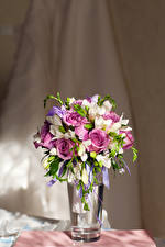 Hintergrundbilder Blumensträuße Rosen Freesien Vase