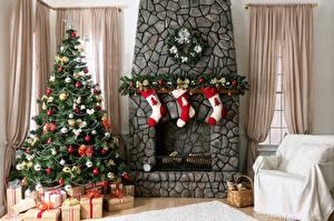 Bilder Neujahr Tannenbaum Kamin Kugeln Geschenke Socken