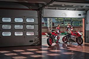 Hintergrundbilder Ducati Motorradfahrer 2 2017 1299 Panigale R  Final Edition