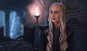 Fotos Game of Thrones Gezeichnet Emilia Clarke Daenerys Targaryen Blick Blond Mädchen Mädchens