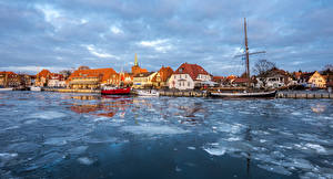 Images Germany Building Rivers Marinas Riverboat Ice Neustadt Cities