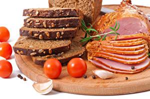 Bilder Fleischwaren Schinken Brot Tomate Knoblauch Schneidebrett Geschnitten