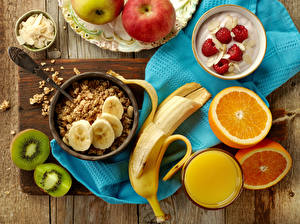 Hintergrundbilder Müsli Bananen Saft Apfelsine Chinesische Stachelbeere Joghurt Himbeeren Frühstück