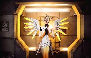 Fonds d'écran Overwatch Aile Cosplayers Blondeur Fille Mercy Jeux Filles