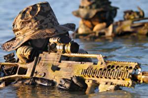 Fotos Soldaten Sturmgewehr Wasser Spezialeinheiten Deutsch Der Hut  Militär