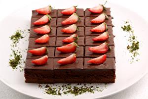 Hintergrundbilder Süßigkeiten Törtchen Erdbeeren Schokolade Teller Lebensmittel