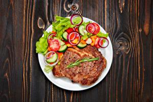 Bilder Die zweite Gerichten Fleischwaren Gemüse Bretter Teller