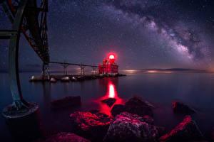 Bilder USA Brücken Leuchtturm Himmel Stern Steine Nacht Bucht Sturgeon Bay Wisconsin Natur