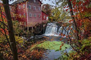 Fotos USA Wasserfall Herbst Haus Windmühle Wassermühle Augusta Wisconsin