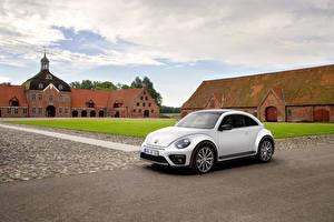 Bilder Volkswagen Weiß Coupe 2016 Beetle R-Line Autos