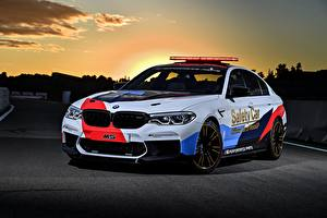 Image BMW Tuning White 2018 M5 MotoGP Safety Car auto