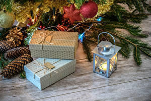 Hintergrundbilder Neujahr Kerzen Bretter Geschenke Zapfen