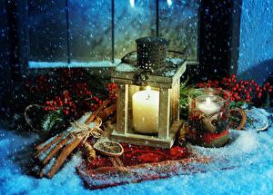 Hintergrundbilder Neujahr Feiertage Kerzen Zimt Eberesche Schnee Becher