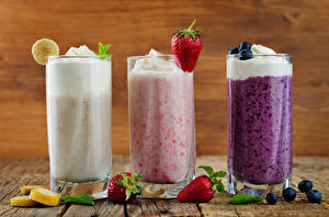 Pictures Mixed drink Strawberry Fruit Three 3 Highball glass Food