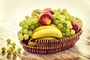 Images Fruit Grapes Peaches Bananas Wicker basket Food