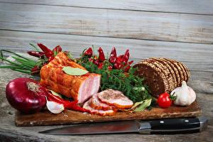 Fotos Schinken Brot Zwiebel Knoblauch Messer Peperone