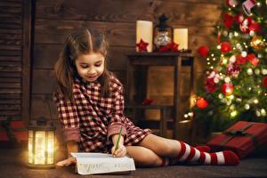 Hintergrundbilder Feiertage Neujahr Kleine Mädchen Laterne Brief kind