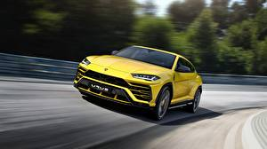 Photo Lamborghini Yellow Motion Urus 2018 automobile