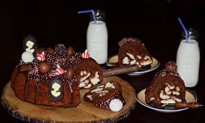 Hintergrundbilder Süßware Torte Schokolade Milch Schwarzer Hintergrund Design Flasche Lebensmittel