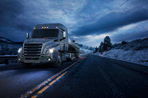 Picture Trucks Roads At speed 2016-17 Freightliner Cascadia Mid-roof XT Cars