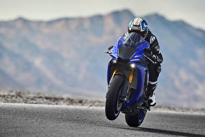 Bilder Yamaha Motorradfahrer Helm Bewegung 2018 YZF-R1